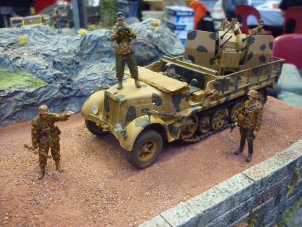"Chasse au partisan - Yougoslavie 1943 ""Prinz Eugen"" - Autoblinda Ab 43 italeri + Sd.Kfz 7/1 2cm Flakvierling 38 +  6 personnages Alpine 1/35 - Page 7 P1100121"