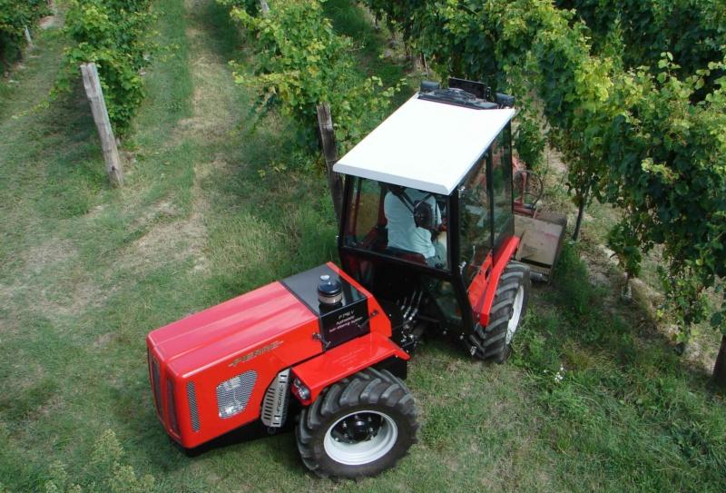 Traktori  Pierre   17949610