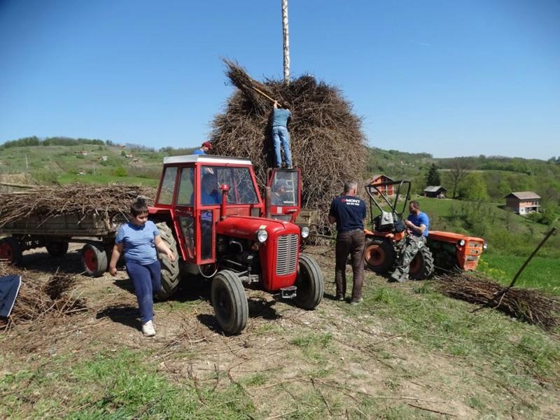 IMT 533/539 vs Tomo Vinković traktori 57441610