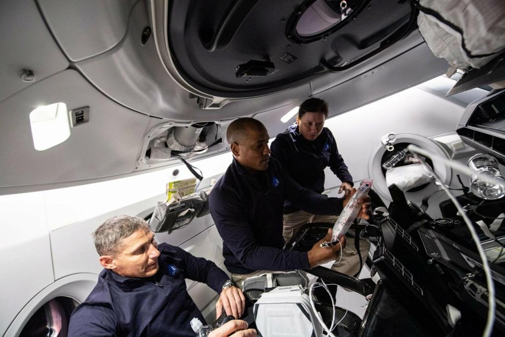 Falcon 9 (Crew Dragon USCV-1) - KSC - 16.11.2020 - Page 10 Engqpu10