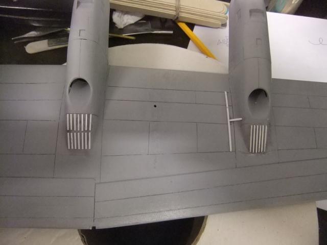 2 x C-130 HERCULE au 1/48ieme ! - Page 9 Dscf0334