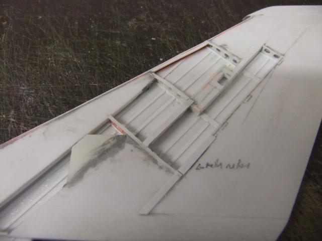 2 x CF-105 ARROW 'd'HOBBYCRAFT 1/48 avec quelque modification +Hanguar FFM+Hanguar de lancement des Bomarc - Page 13 Dscf6336