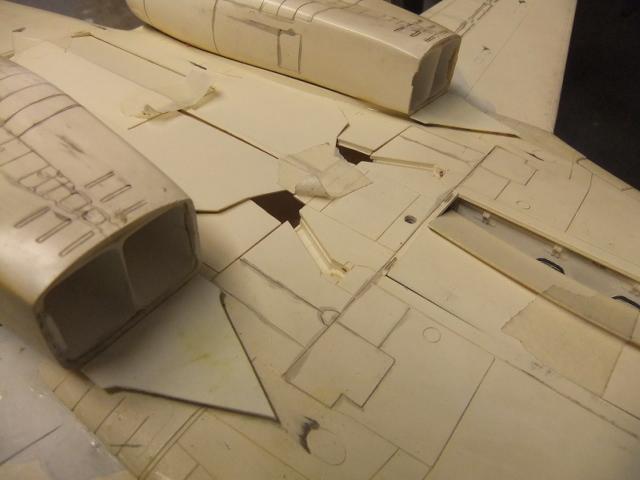 Le ROCKWELL B-1A 'PROTOTYPE ' de REVELL avec quelque modification ! - Page 12 Dscf7058