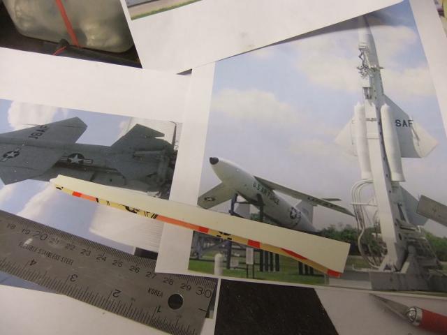 2 x CF-105 ARROW 'd'HOBBYCRAFT 1/48 avec quelque modification +Hanguar FFM+Hanguar de lancement des Bomarc - Page 13 Dscf7831
