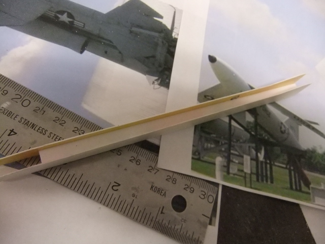 2 x CF-105 ARROW 'd'HOBBYCRAFT 1/48 avec quelque modification +Hanguar FFM+Hanguar de lancement des Bomarc - Page 13 Dscf7833