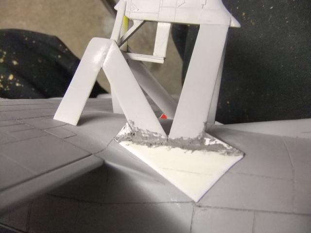 2 x C-130 HERCULE au 1/48ieme ! - Page 8 Dscf8024