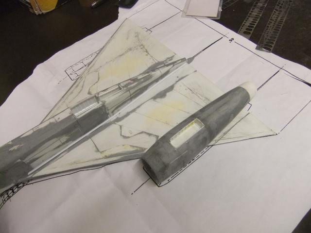 2 x CF-105 ARROW 'd'HOBBYCRAFT 1/48 avec quelque modification +Hanguar FFM+Hanguar de lancement des Bomarc - Page 13 Dscf8251