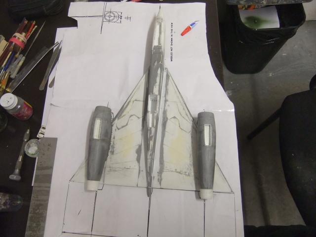 2 x CF-105 ARROW 'd'HOBBYCRAFT 1/48 avec quelque modification +Hanguar FFM+Hanguar de lancement des Bomarc - Page 13 Dscf8479