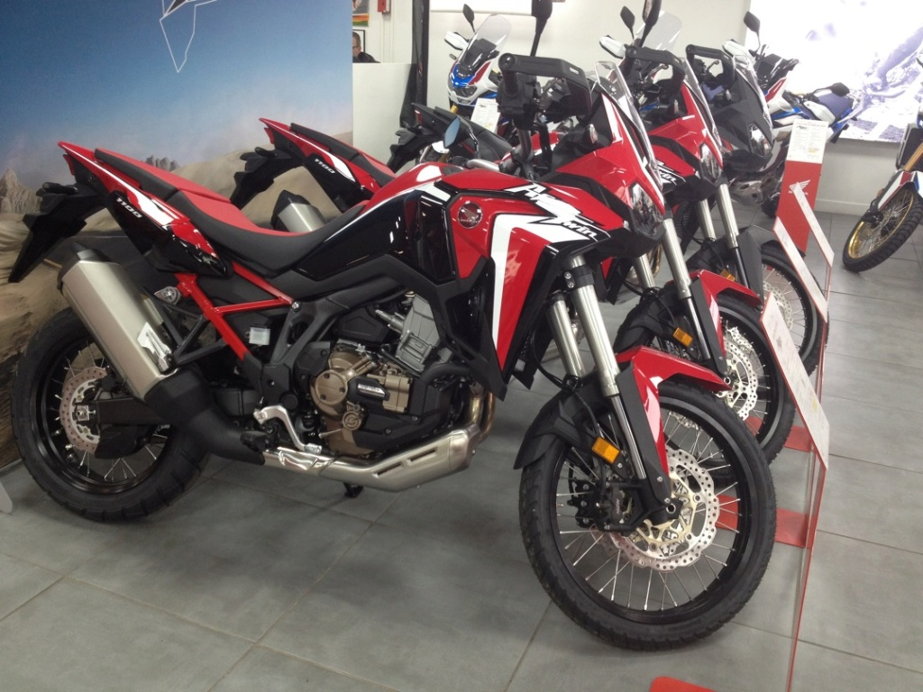 Album photo  Africa Twin CRF 1100   At2210