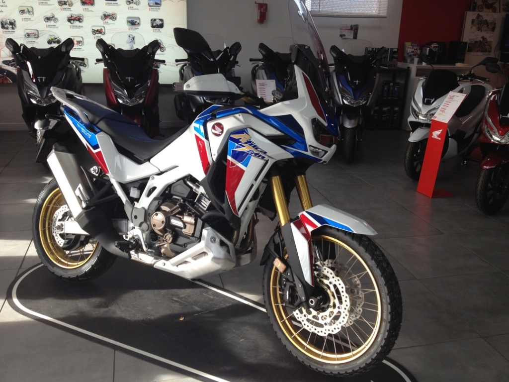 Album photo  Africa Twin CRF 1100   At610