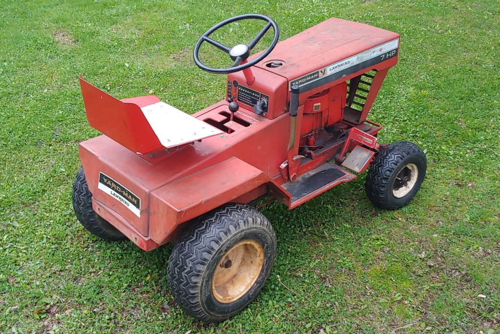 Yard-man Lawnbird 3250-2 (1960s) Lawn Mowing Tractor 20190511