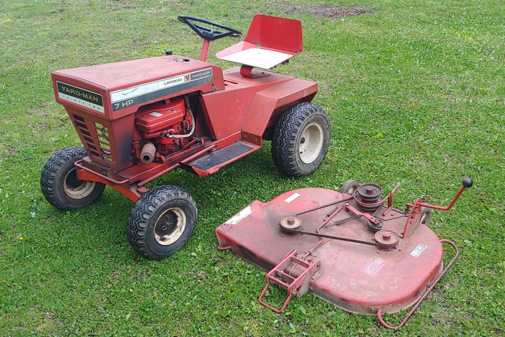 Yard-man Lawnbird 3250-2 (1960s) Lawn Mowing Tractor 20190512