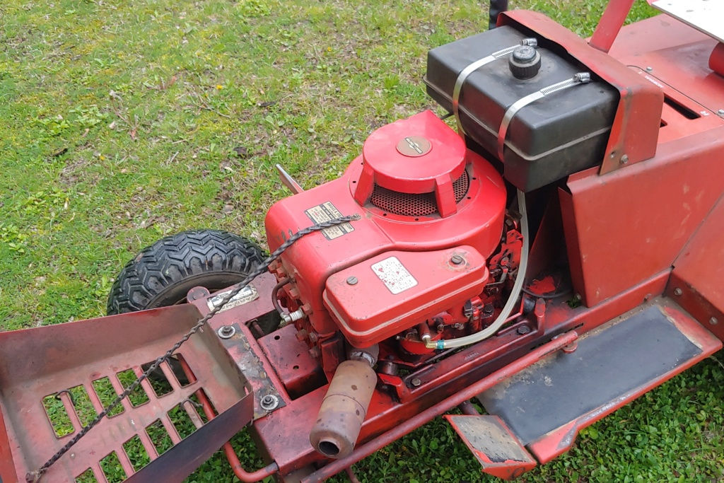 Yard-man Lawnbird 3250-2 (1960s) Lawn Mowing Tractor 20190515