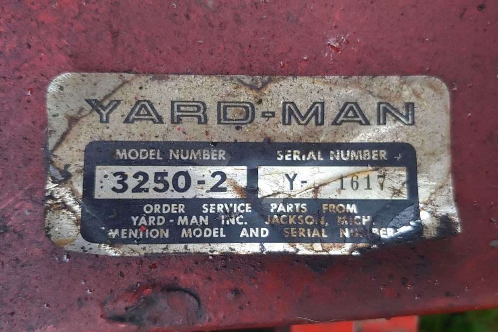 Yard-man Lawnbird 3250-2 (1960s) Lawn Mowing Tractor 20190518