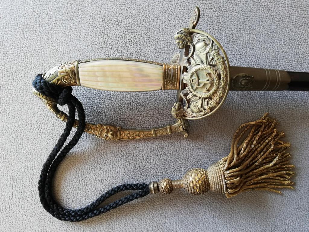 Epée d'officier supérieur de marine 156