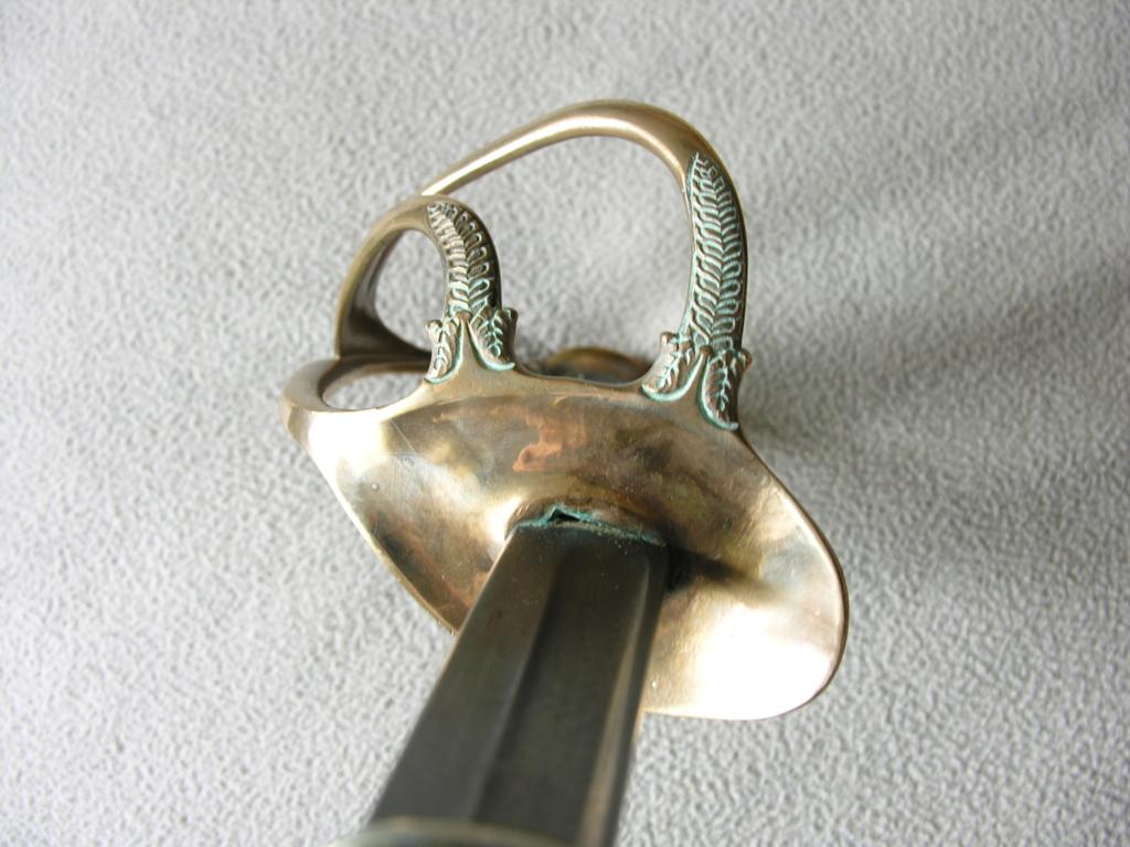 Un modèle injustement mésestimé : le sabre d'officier de cavalerie Mod 1882 - Page 2 Dscn3111
