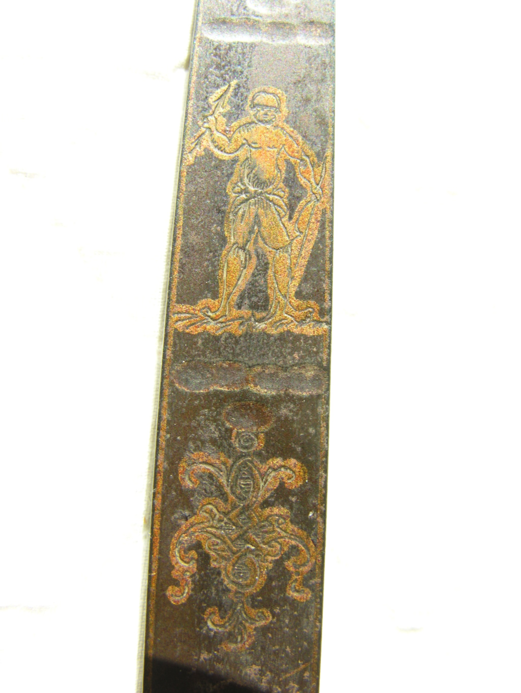 motif clavier épée Dscn9916