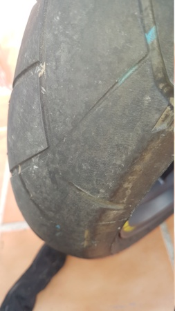 Desgaste anormal en Dunlop trailmax 20180910
