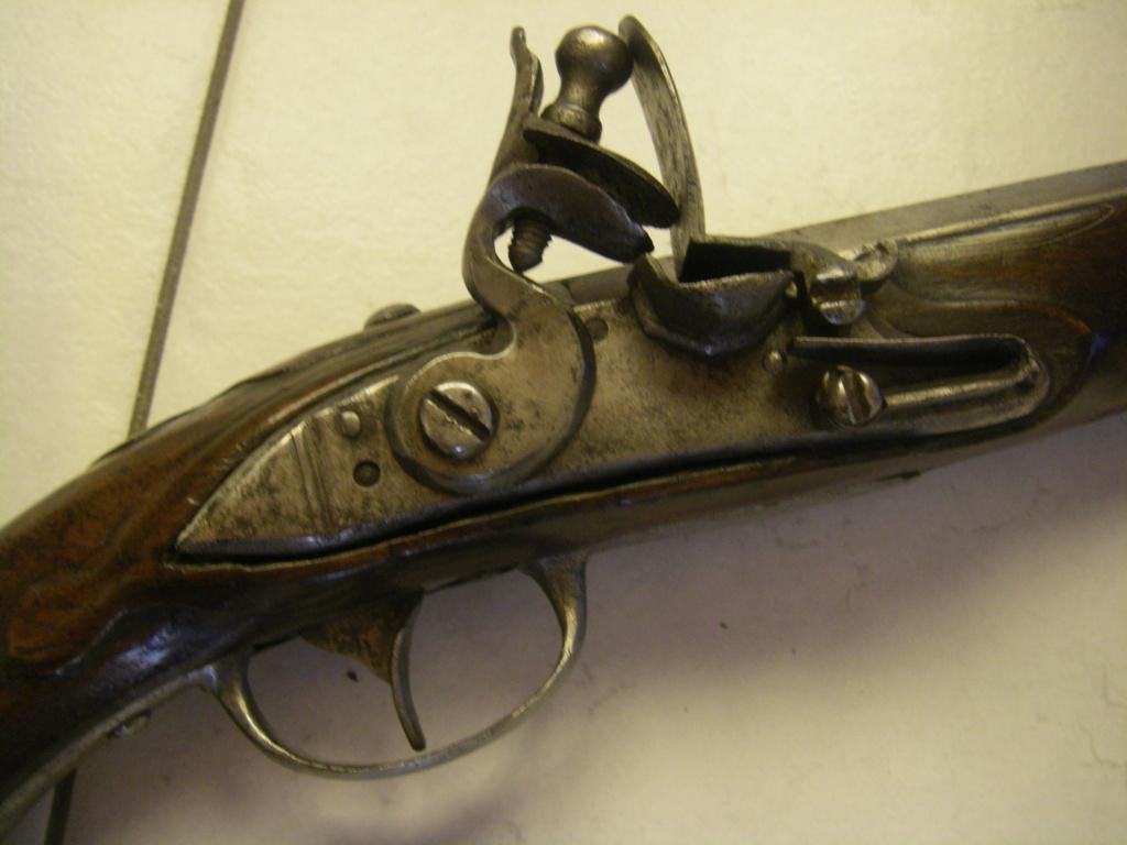 identification pistolet à silex prussien allemand autrichien ? sans baguette Imgp8913