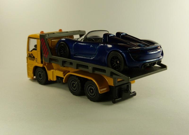 N°299F MAN TGS dépanneuse + Porsche 918 spyder P1080616