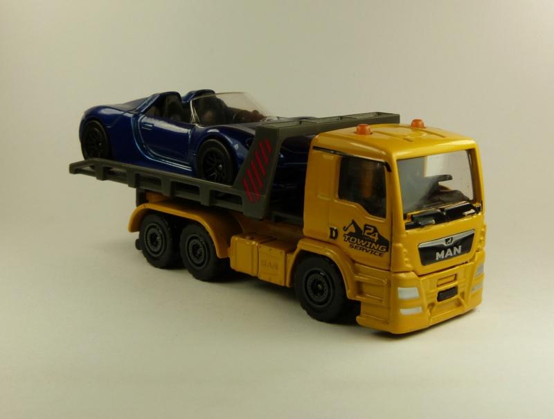 N°299F MAN TGS dépanneuse + Porsche 918 spyder P1080617