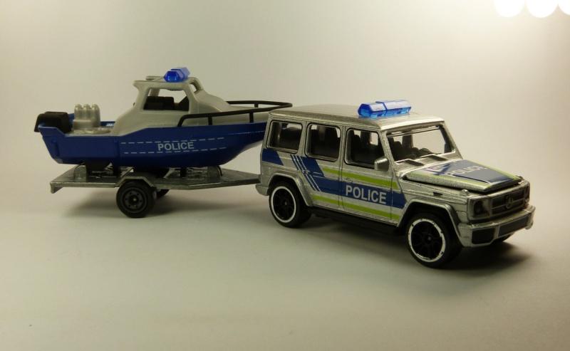 N°R21A Mercedes AMG G63 + bateau police P1080626