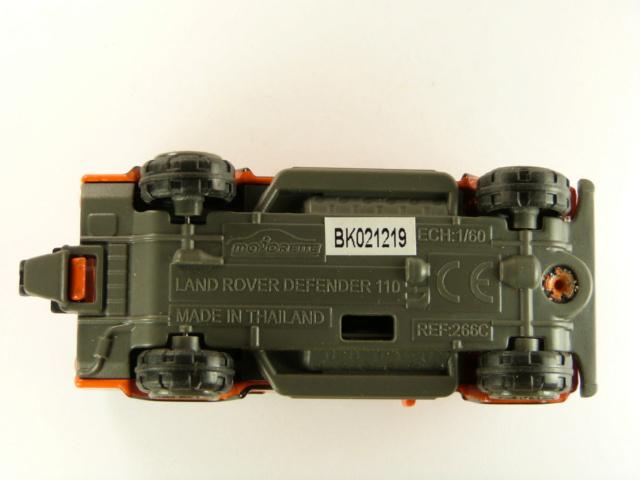 N°266C LAND ROVER DEFENDER 110 (DELUXE)  P1080710