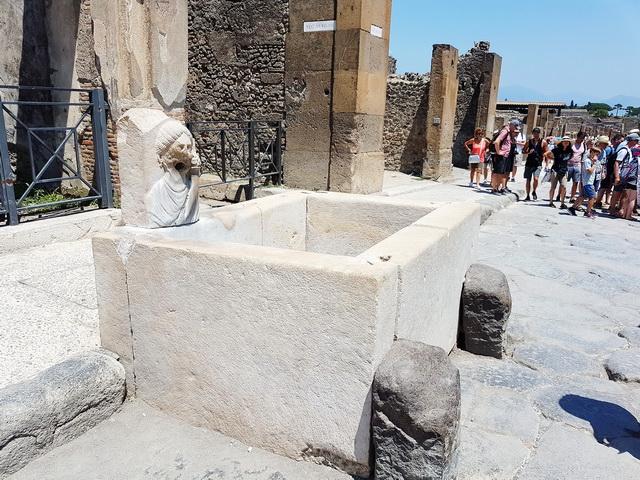 Une grand bond dans l'histoire en Italie Pompei57