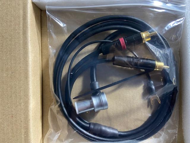 Cable de phono de Yannis Tome Img_8712