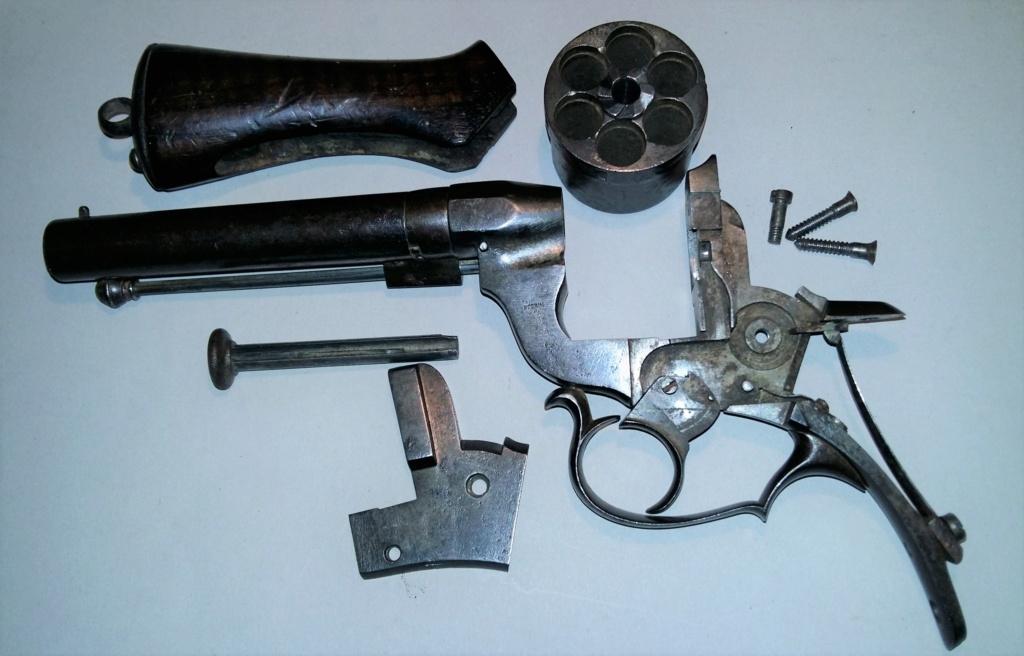 Une belle arme, le REVOLER PERRIN modèle 1859 trouvé chez un copain ! 20190311