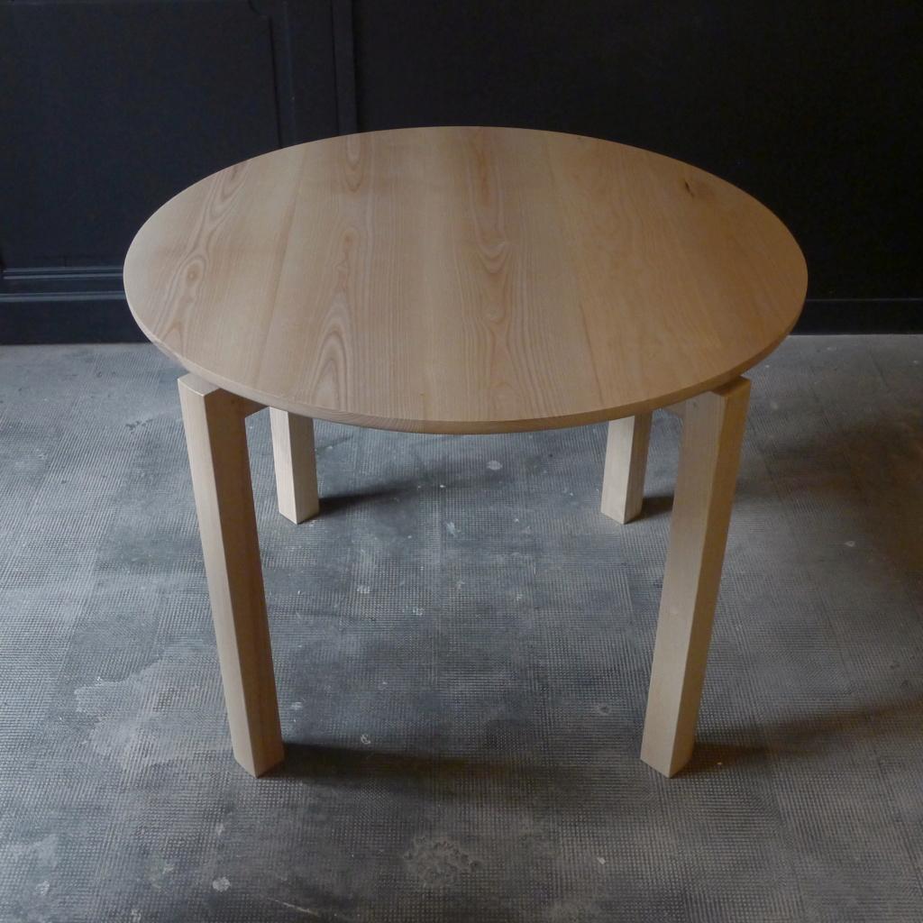 Petite table ronde L1050311