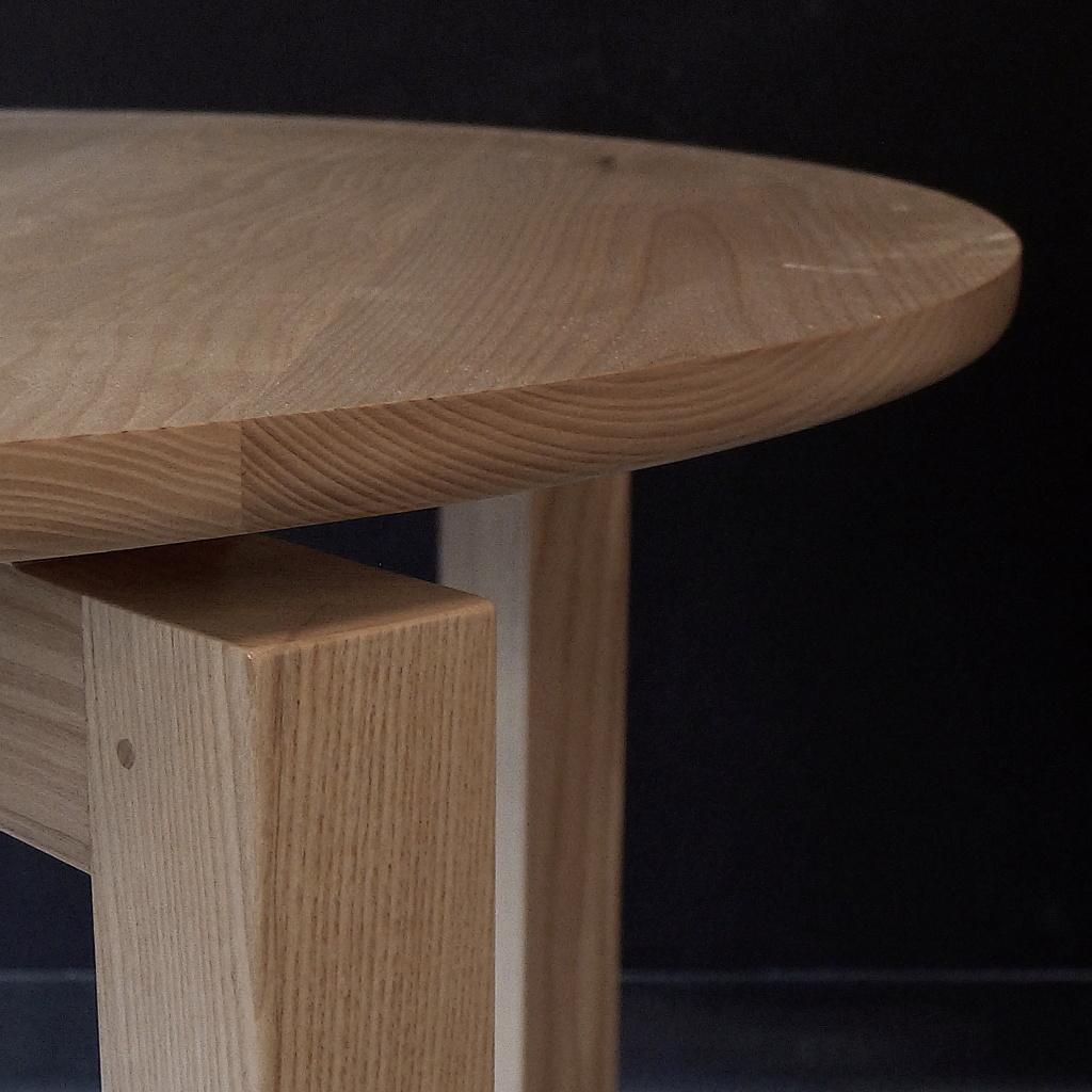 Petite table ronde L1050312
