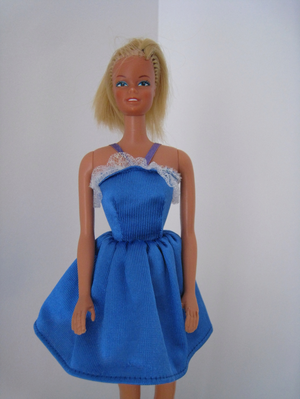 identification robe bleue R398811