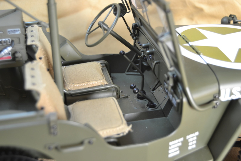 Jeep 1/8 eme Hachette collection enfin terminée !!!! Dsc_0510