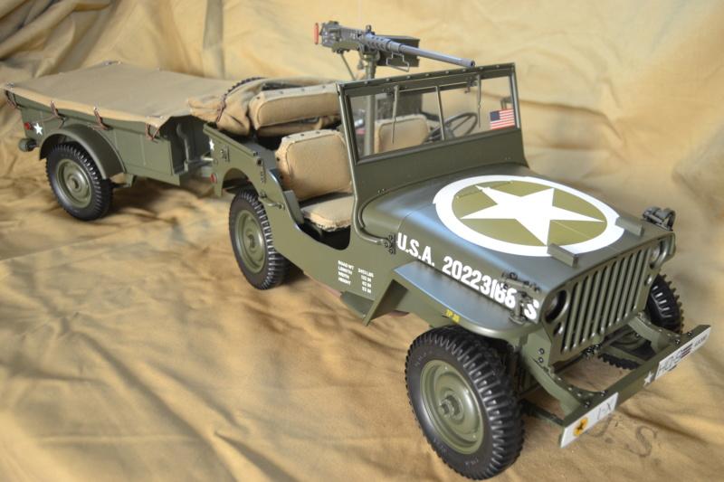 Jeep 1/8 eme Hachette collection enfin terminée !!!! Dsc_0515