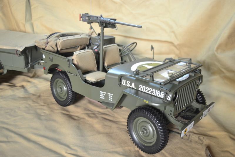 Jeep 1/8 eme Hachette collection enfin terminée !!!! Dsc_0518