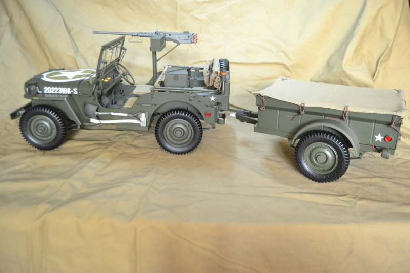 Jeep 1/8 eme Hachette collection enfin terminée !!!! Dsc_0523