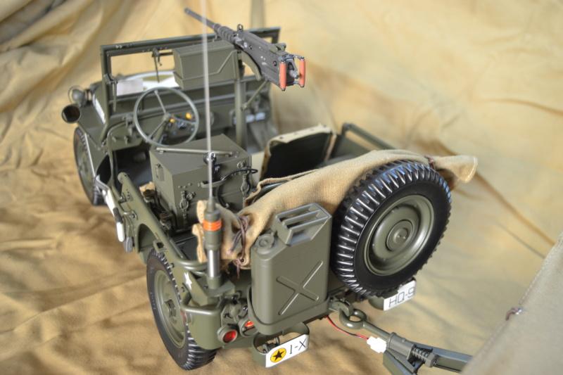 Jeep 1/8 eme Hachette collection enfin terminée !!!! Dsc_0524