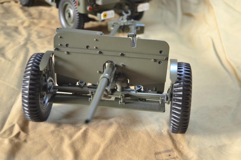 Jeep 1/8 eme Hachette collection enfin terminée !!!! Dsc_0527