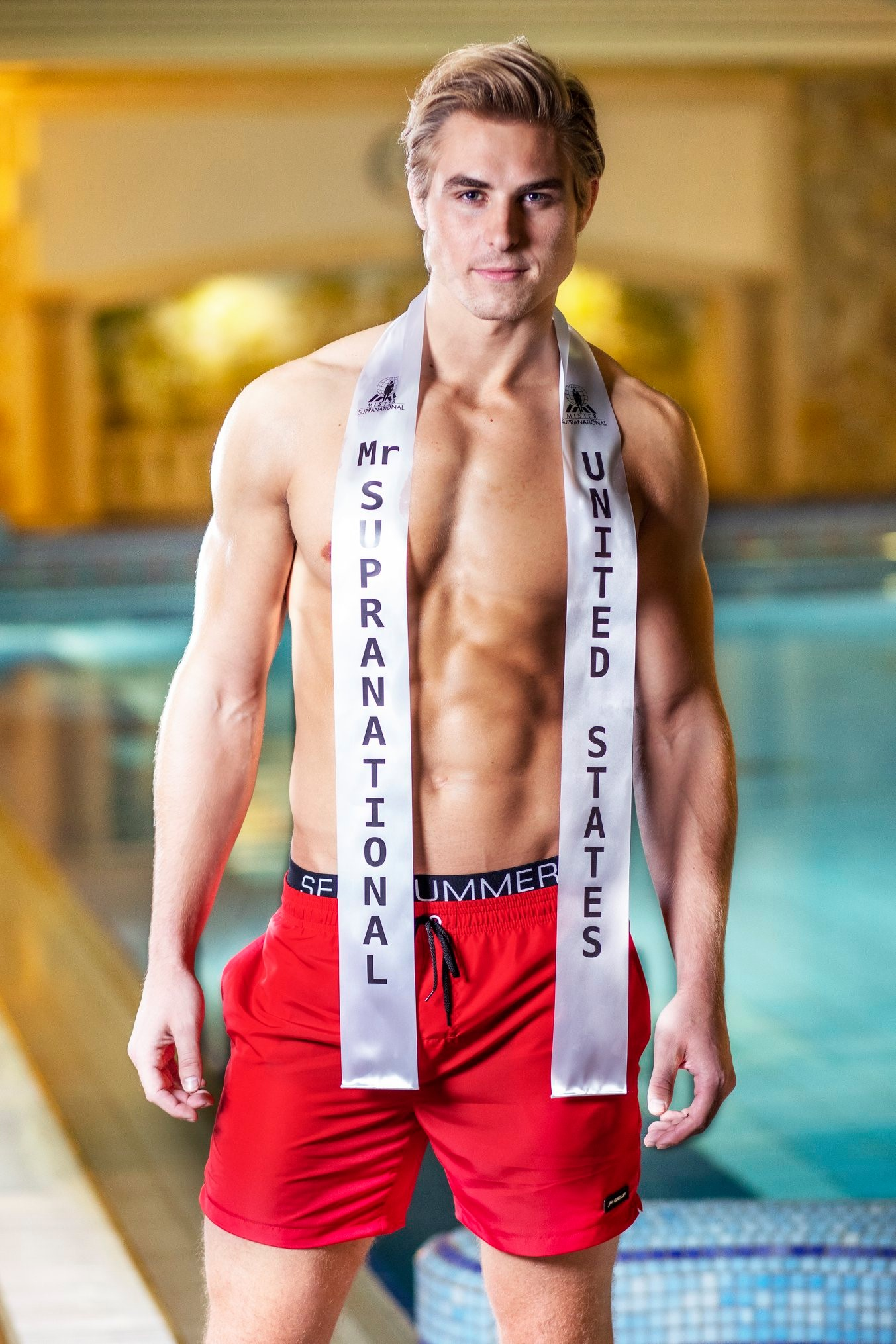 Round 34th : Mister Supranational 2019 0018