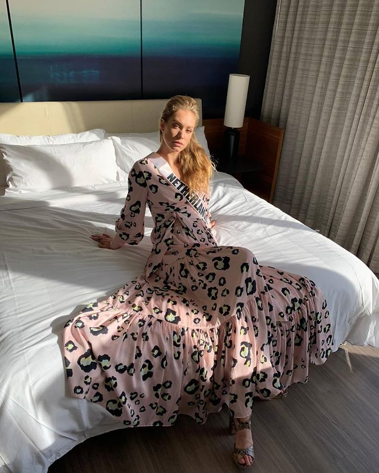 MISS UNIVERSE 2019 - OFFICIAL COVERAGE  - Page 13 79245010