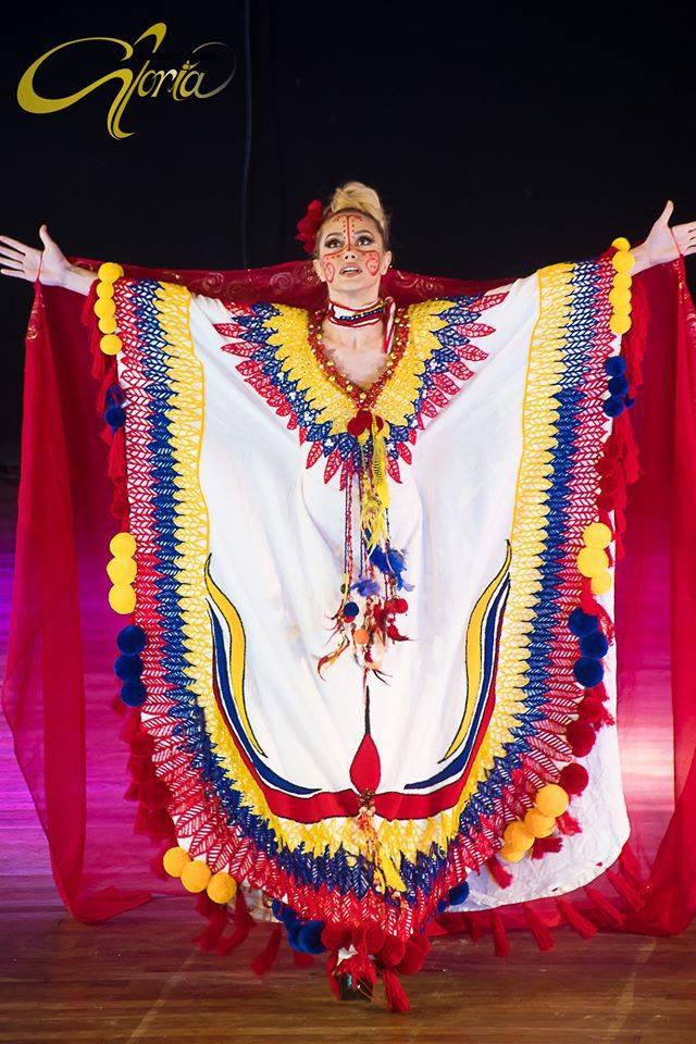 Reina Hispanoamericana 2019/2020 - Page 2 84209510
