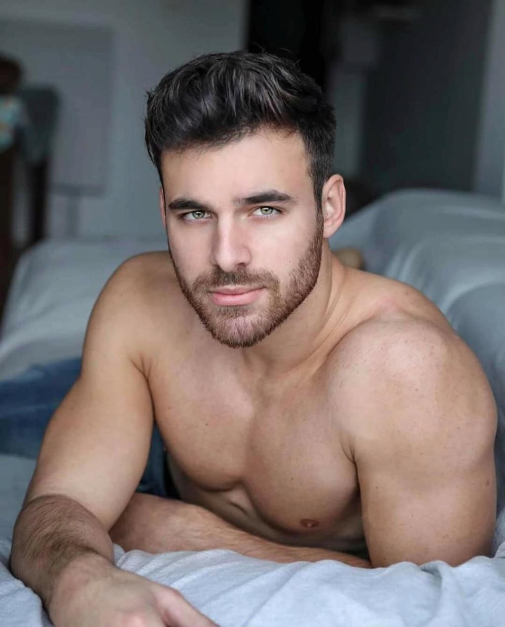 Entrevista a Mister RNB International 2019. Las 5 respuestas de Pablo Herrera. Fb_i4634