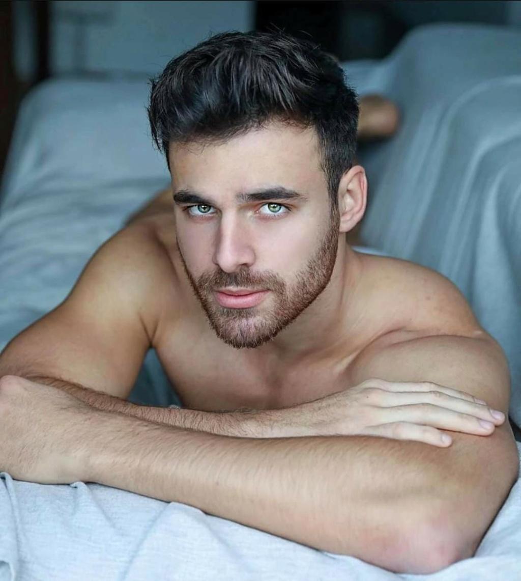 Entrevista a Mister RNB International 2019. Las 5 respuestas de Pablo Herrera. Fb_i4635