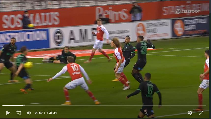 J19 : Le match Reims 3-1 St Etienne - Page 3 Main10