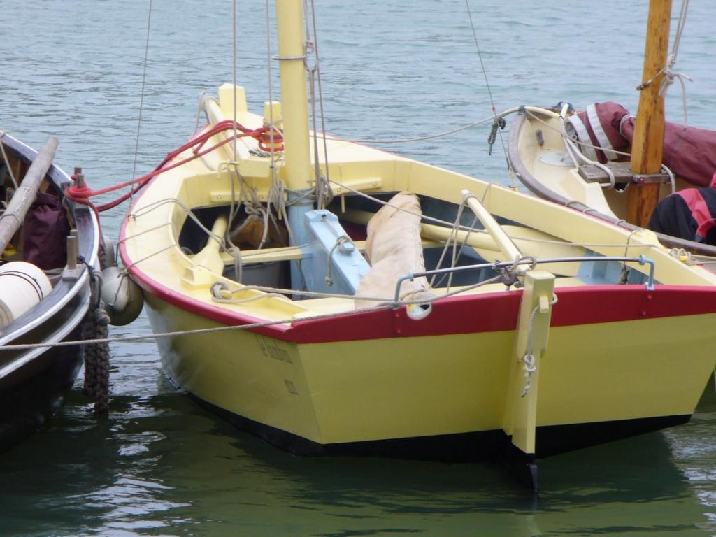 [VIE DES PORTS] Quelques bateaux de pêche (sur nos côtes Françaises) - Page 12 P1000122