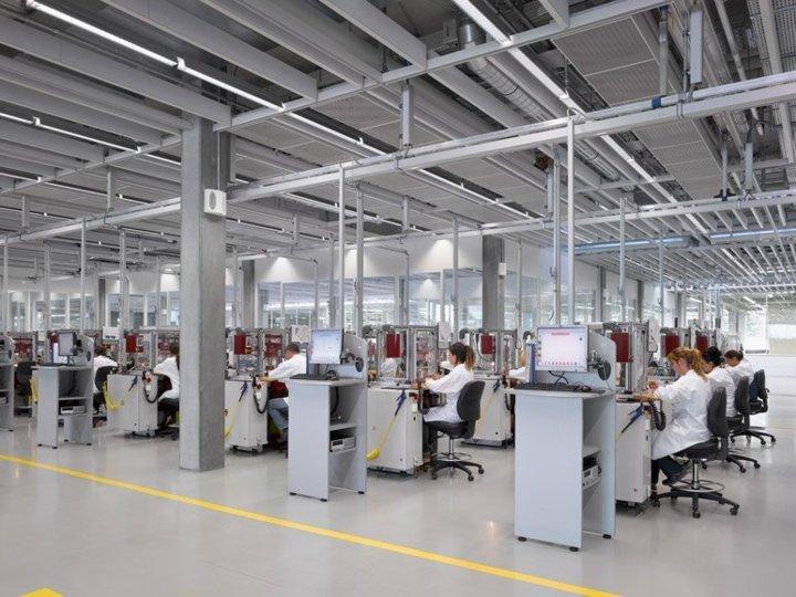Rolex fait découvrir sa nouvelle Usine à Bienne lors d'une visite aseptisée 48247811