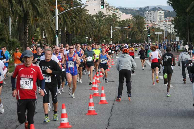 Le Niçois --->Préparation 10km Promenade des Anglais - Page 4 Nice2010