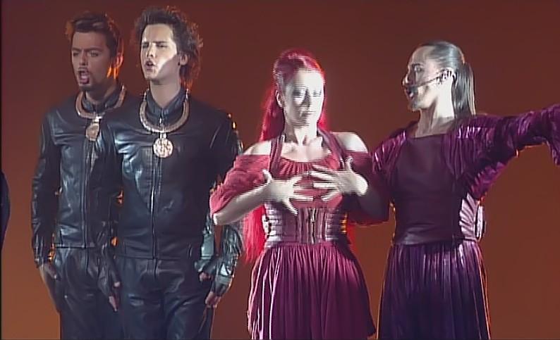 """[Captures DVD] Nuno dans la chanson """"Verone"""" - Page 2 Sans_t17"""