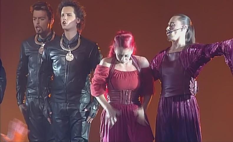 """[Captures DVD] Nuno dans la chanson """"Verone"""" - Page 2 Sans_t18"""